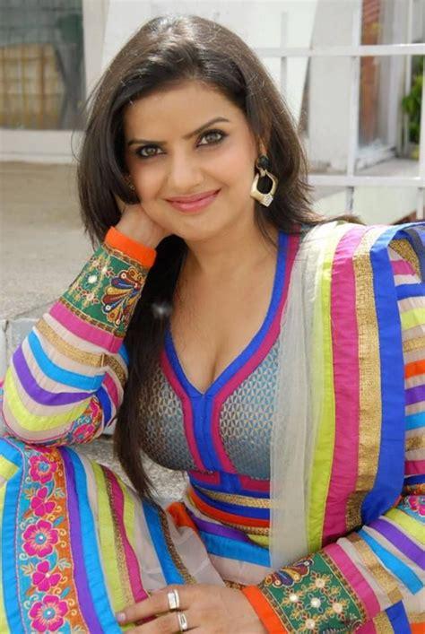new bhojpuri heroine photos madhu sharma wallpapers latest bhojpuri heroine madhu