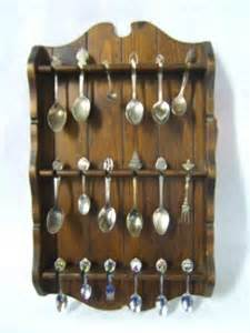 spoon rack and 18 collector spoons 504936