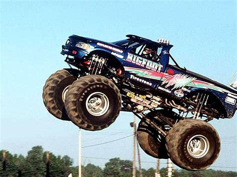 monster truck videos 2013 image monster truck bigfoot 2013 jpg monster trucks