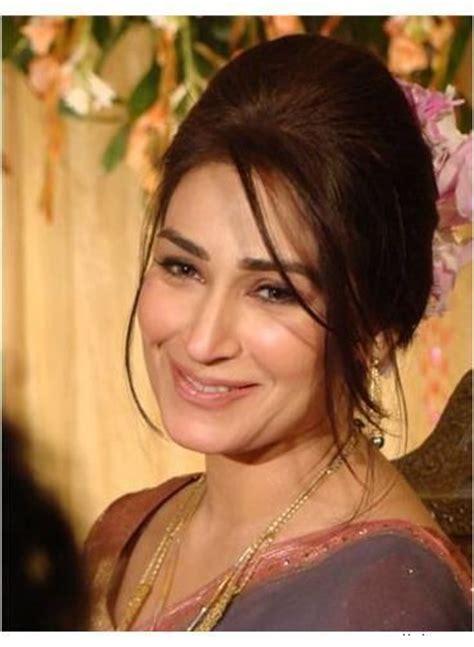 film star reema family pics reema khan left pakistan books worth reading pinterest