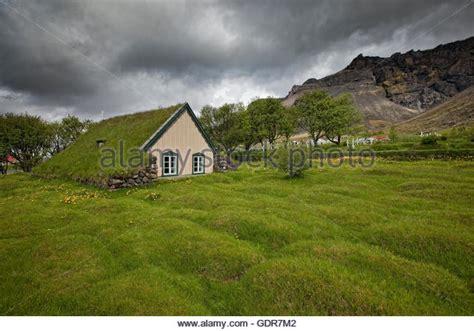 Good Church Everyday #6: Hofskirkja-a-turf-roofed-church-iceland-gdr7m2.jpg