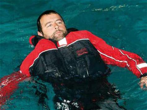 maib   compulsory  commercial fishermen  wear lifejackets ybw