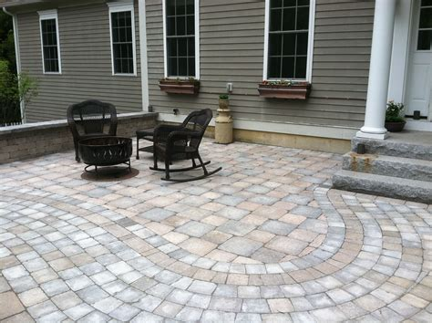 how to put in a paver patio paver patio should i put some facing on the small part