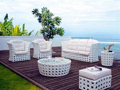 Rattan garden furniture with unusual design Royal Garden Interior Design Ideas Ofdesign