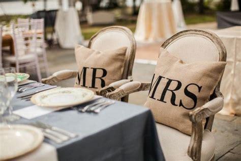 almohadas de sr  sra  las sillas de los novios detalles wedding decorations dream