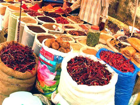 map usa flea market goa mapusa market goa konkan india