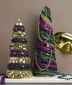 festive diy mardi gras decorations made with mardi gras