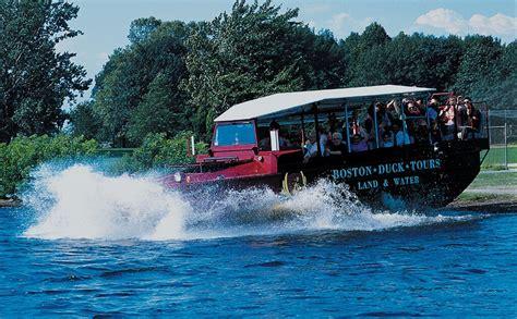 duck boat tours cambridge visitez boston de mani 232 re insolite en duck boat