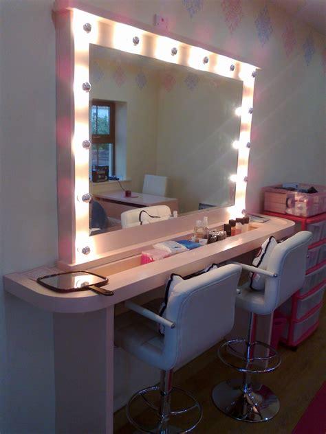 Vanity Makeup Studio by Mirror With Lights Dublin Reversadermcream
