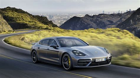 porsche panamera turbo 2017 wallpaper 2017 porsche panamera turbo s hd car wallpapers free