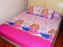 Sprei Snoopy Happy Biru 18020020 sprei dan bed cover cantik sprei dan bed cover ceria motif anak grosir sprei murah grosir