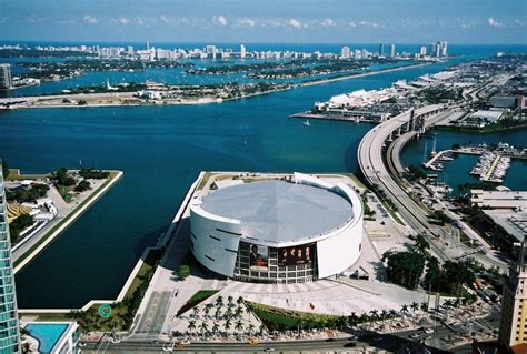 American Limo Service by American Airlines Arena Limo Miami Heat Limo Service