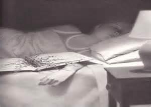 Rug Under Bed Powerfulpencils Mr Linden S Library