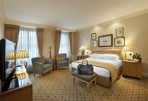 london hotel suites with 2 bedrooms special offers madame tussauds and royal college of