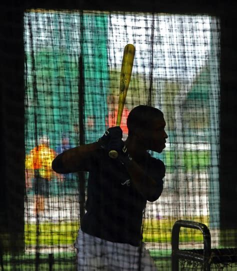 bj upton swing braves in spring training at florida