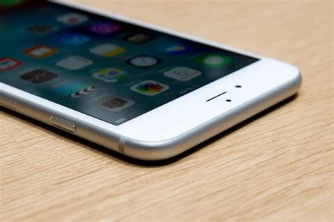 apple iphone 6 review cnet apple s sleek iphone 6s features 3d touch pictures