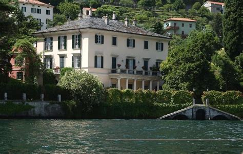 george clooney home in italy italian mayor trespassers at clooney s villa will be