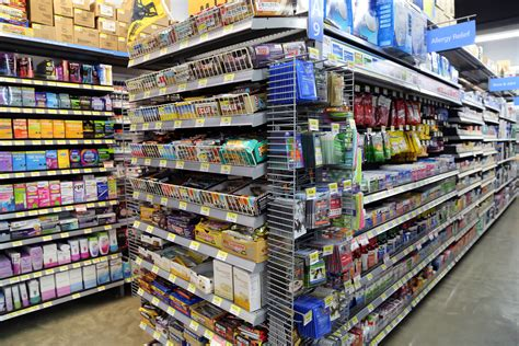 Walmart Store Floor Plan by Walmart Goes To College Retail Giant Tests Small Store
