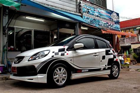 Kaos Honda Brio Kuning 50 gambar modifikasi honda brio keren terbaru modif drag