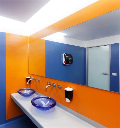 google bathroom oficinas de google en mil 225 n de los arquitectos albera