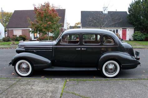 1938 Pontiac Sedan by 1938 Pontiac 8 Touring Sedan Model 28