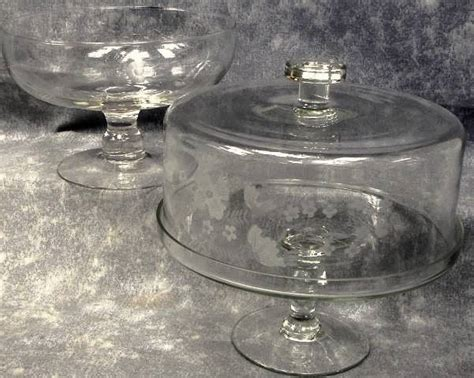 princess house glass hostess pedestal cake plate w cover