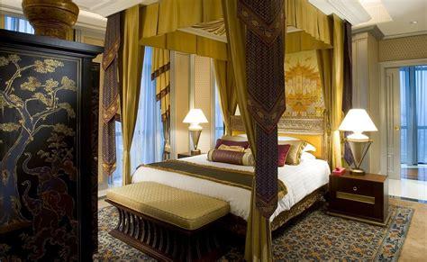 theme hotel bangkok exotic thai cultured theme suites at plaza ath 233 n 233 e bangkok