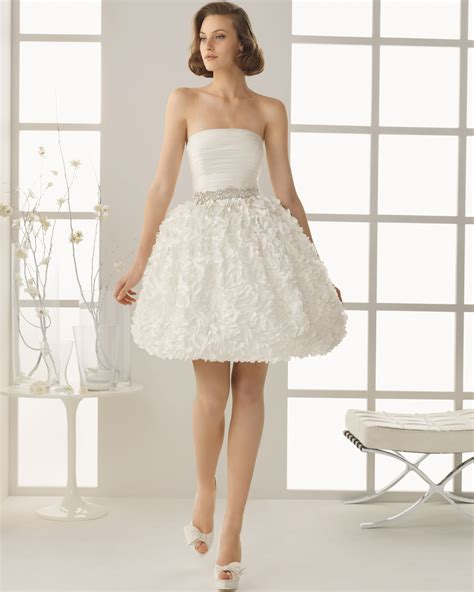 and gorgeous short strapless wedding dresses sang