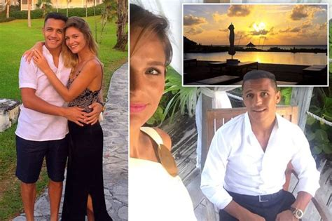alexis sanchez wife tottenham eye transfer of southton s cedric soares to