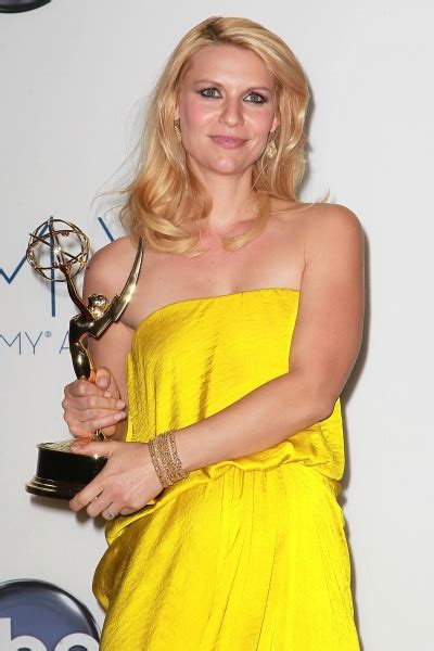 claire danes yellow dress claire danes photos for no reason at all who2