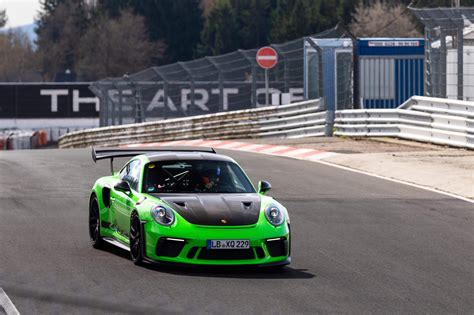 Porsche Nurburgring Times by Porsche And Chevy Get Opposite Reactions For Their