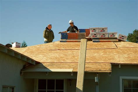 roofing contractors lincoln how roofing contractors in lincoln nebraska can help you