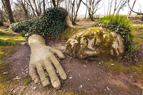 verloren tuinen van heligan e ebooks moddermeisje bij verloren tuinen van heligan stock