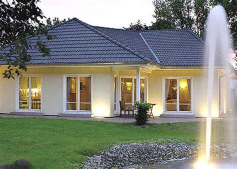 Garage Under House Plans by Haus Bungalows Amp Winkelbungalows Hausbau24