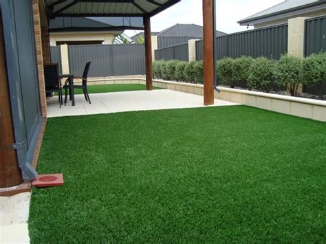 prato artificiale terrazzo erba sintetica prato caratteristiche dell erba sintetica