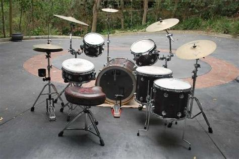 matt sorum drum kit matt sorum s custom dw collector s series purple stained