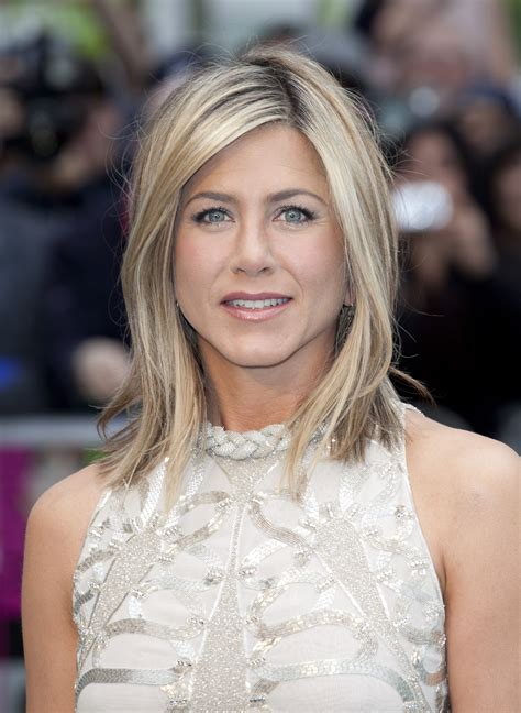 jennifer aniston hair color formula jennifer aniston hair color formula for 2013 short