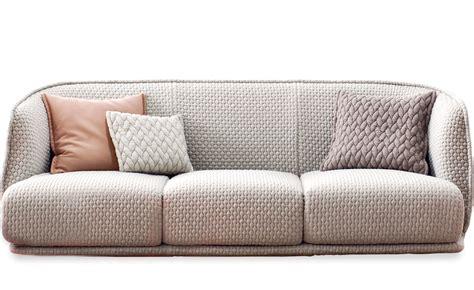 urquiola sofa redondo 3 seat sofa 245 hivemodern