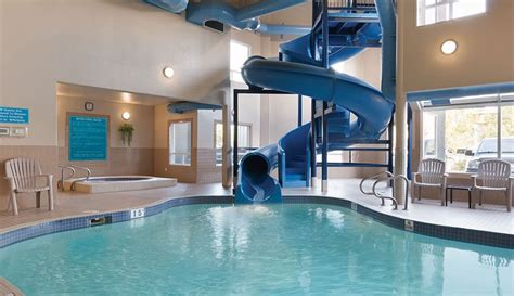 indoor pool in hotel room amenities days inn medicine hat hotels
