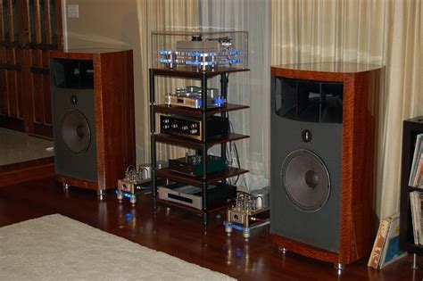 living room stereo system post your horn pics