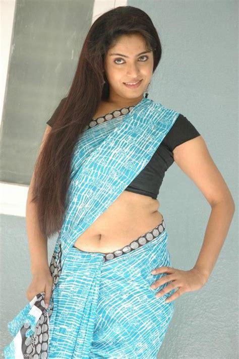 hot indian aunties photos saree pics mallu aunties picture desi babes mallu aunty downblowse sexy saree photos