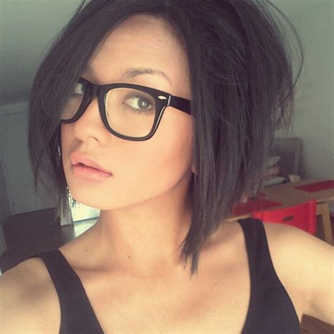 bob haircuts and glasses shoulder length bob love the glasses too hairstyle