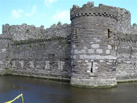 curtain wall castle definition concentric castles advantages and disadvantages of the