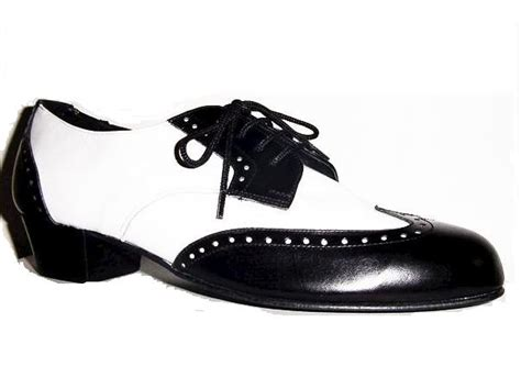 wordless wednesday black and white shoes the green eyed