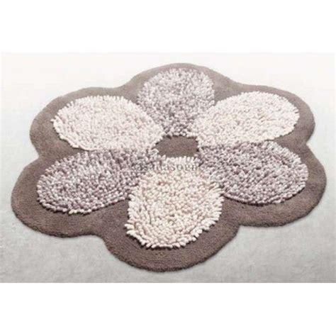 tappeti bagno particolari tappeto bagno numer one flower casadasogno