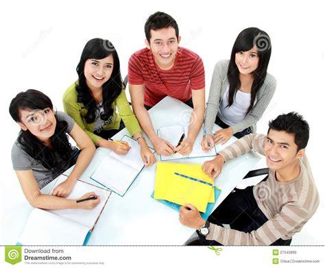 imagenes libres estudiantes grupo de estudiar de los estudiantes im 225 genes de archivo