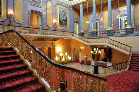 palace interior the buckingham palace most visited spot london world