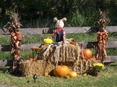 Best 25 Fall Yard Decor Autumn Yard Decorations Autumn Weddings Pics