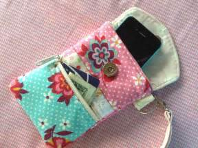 Wear your wallet 5 wristlet patterns to sew today