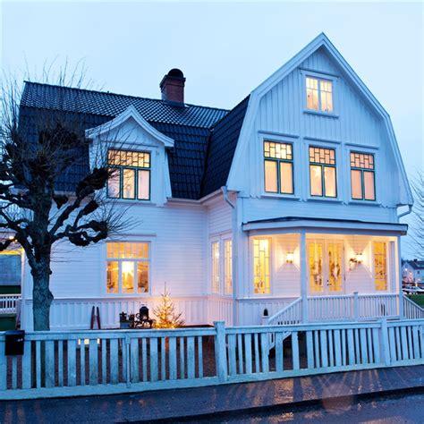 rustic scandinavian house  black  white digsdigs
